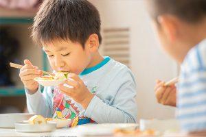 子供達の身体を作りエネルギーとなる食事